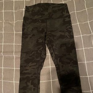 lululemon athletica Pants - Lululemon wonder under high rise, lux, camo, 25""